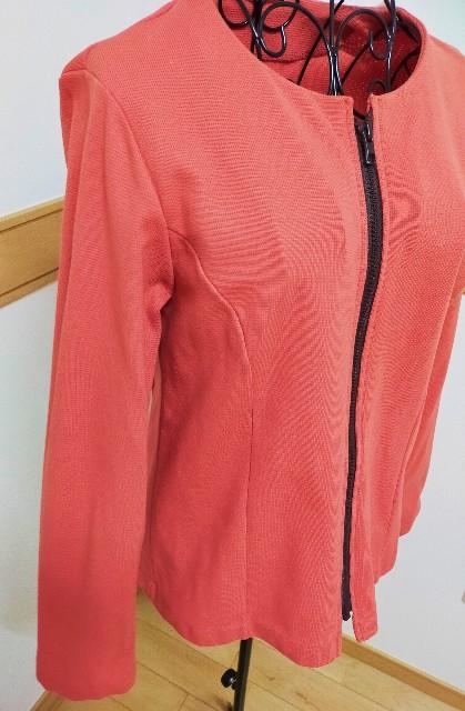 ピンクのお洒落なレディースのジャケット