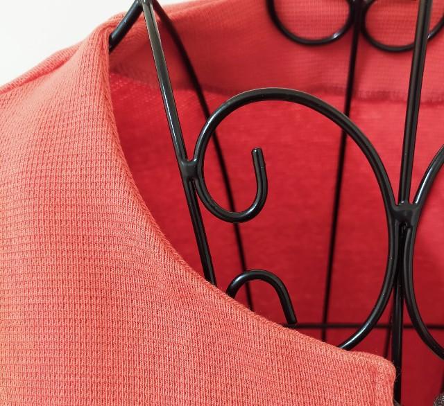 ハンドメイドの洋裁のニットソーイングのジャケットの見返しの縫い方