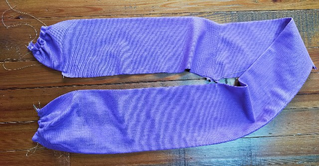 バイカラーの衿のお洒落な服の洋裁