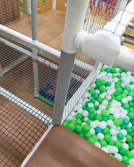 子供のお気に入りのボールプール
