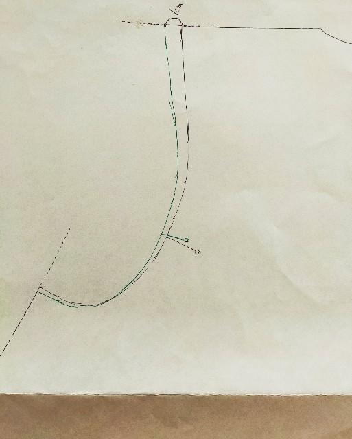 肩幅の型紙の補正の修正