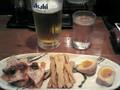 [らぁめん天翔]生ビール ¥380と三種盛り ¥380