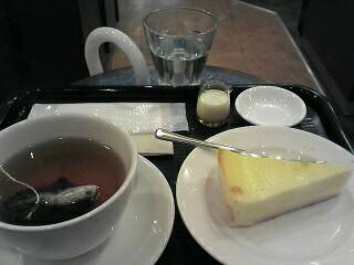 ミルクティとクラシックチーズケーキ