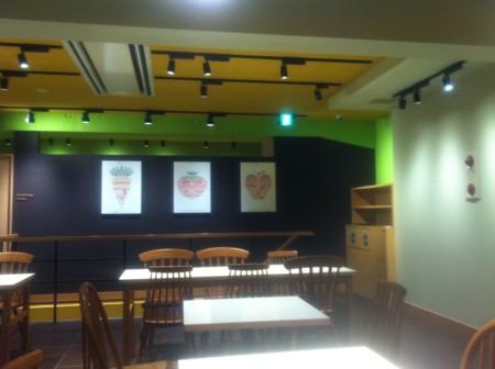 サブウェイ野菜カフェ神田小川町店の店内