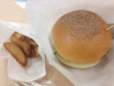 アメリカンハンバーガー@「ブローバ アキュトロン」日本初!ブロガ