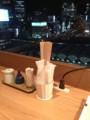 渋谷駅を望むカウンター席@d47食堂