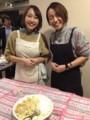 フードコンサルタントの衣川由美子さんとお手伝いの牧岡美里さん