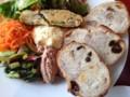 天然酵母パンのサラダプレート
