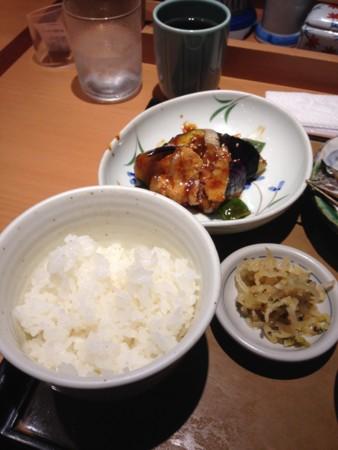 さんまの塩焼き定食(やよい軒)