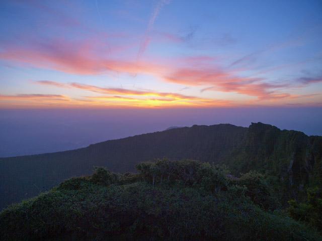 韓国岳の夜明け
