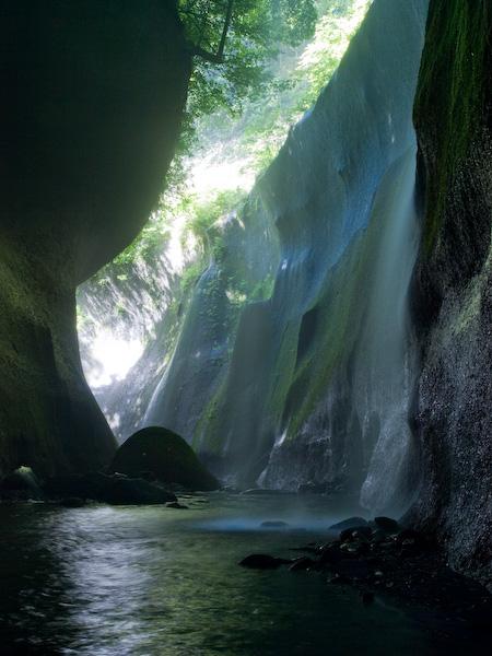 右岸スプレー滝
