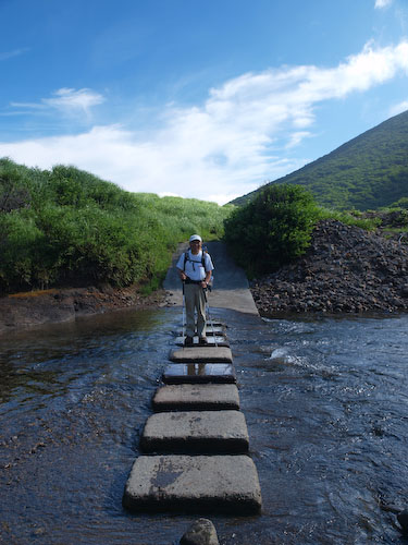 鳴子川の飛び石