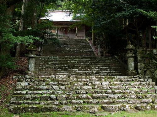 求菩提山の中宮