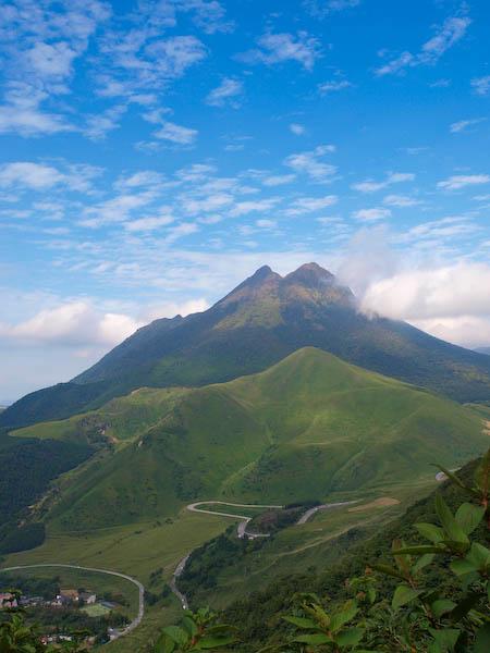 倉木山中腹より由布岳を眺める