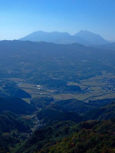 田原山より由布岳を望む