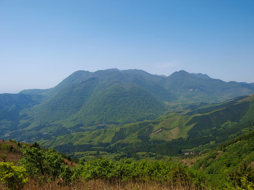 花牟礼山展望所から、くじゅう連山