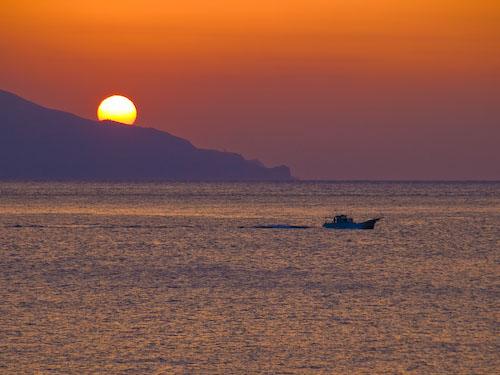 口永良部島と夕陽