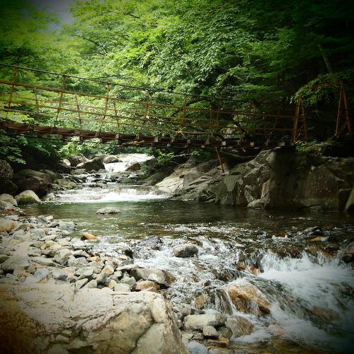 川上渓谷の吊り橋、トイフォト