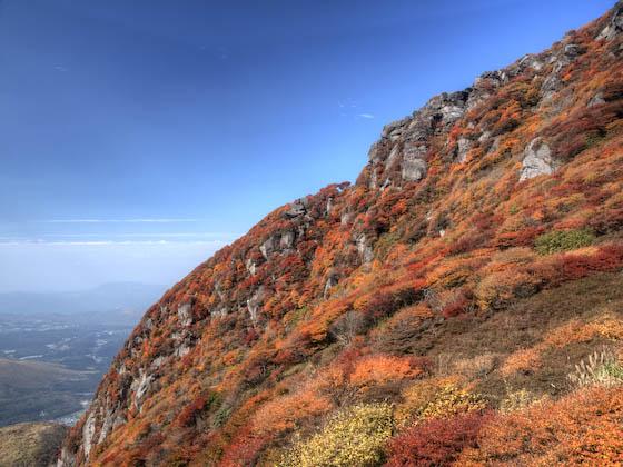 北峰の西の岩尾根