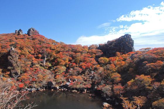 御池の紅葉