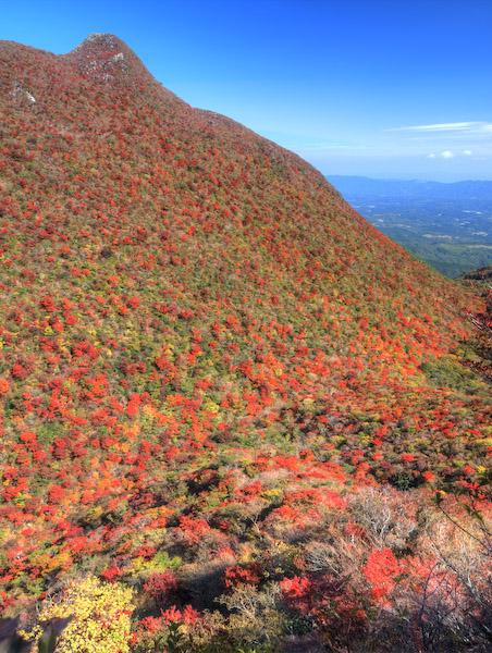 天狗岩と前セリの紅葉
