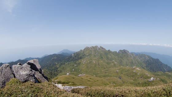 宮之浦岳の山頂より