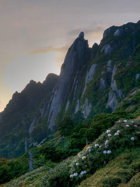 夜明けのローソク岩