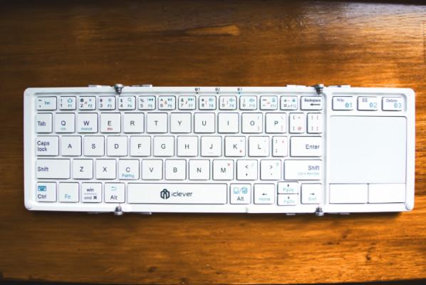 清潔感のあるモバイルキーボード
