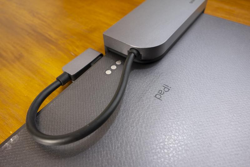 bases iPad Pro usb-c ハブ