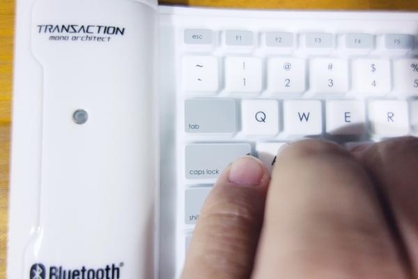 シリコンキーボードは絶妙に微妙