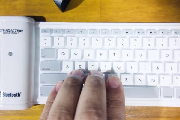 シリコンキーボードの狭いキーピッチ