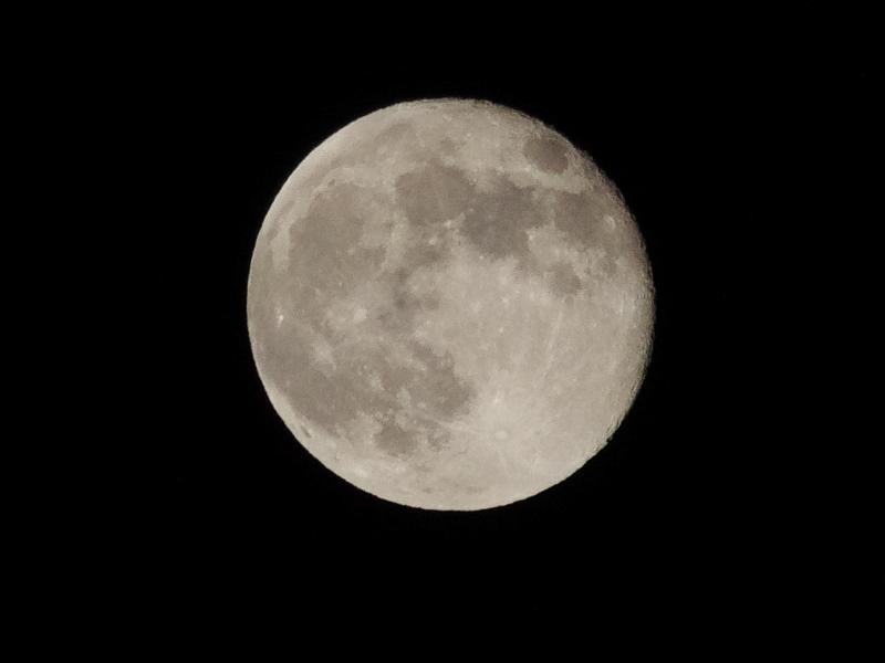 (画像は 昨夜の 十六夜の月)10:26 pmの画像