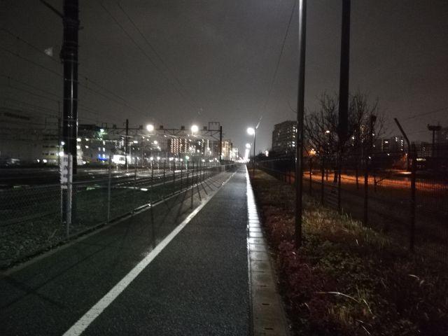 夜間の光景