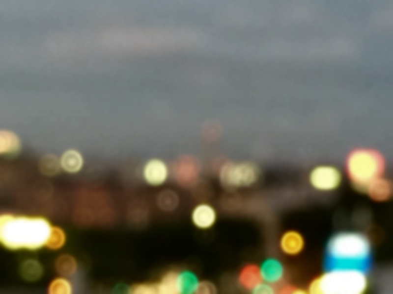 夕闇近づく街