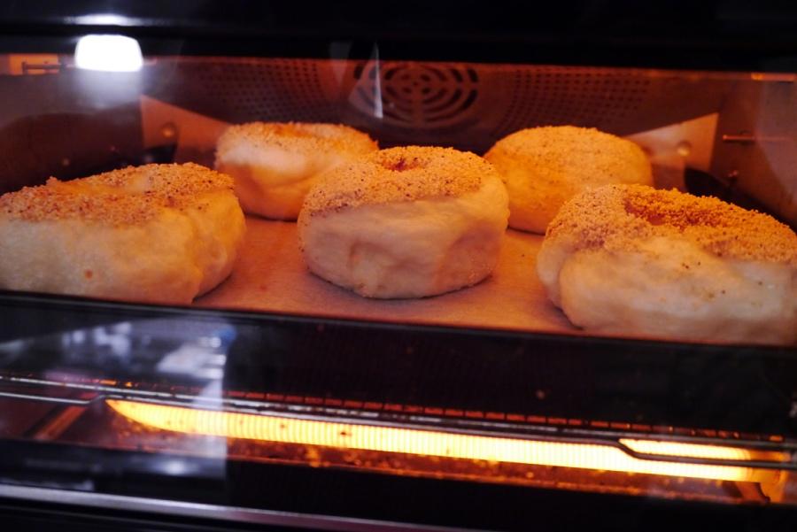 ベーグル焼き中