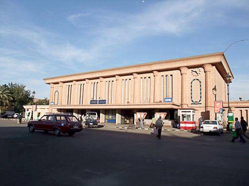 アスワン駅