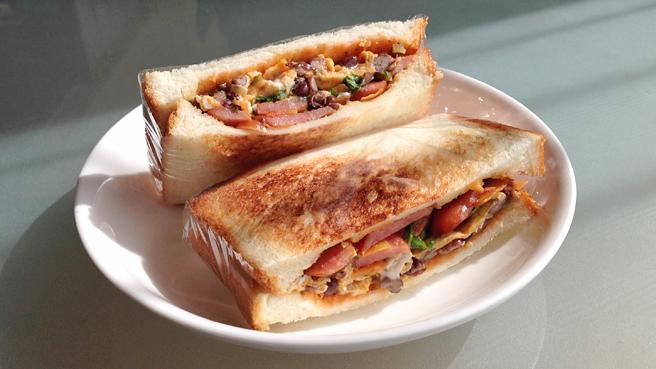 saranwrap-sandwich