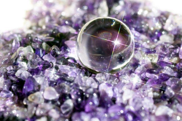 水晶とアメジスト