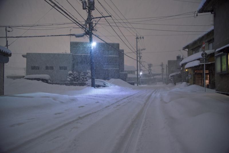 雪の夜道 2