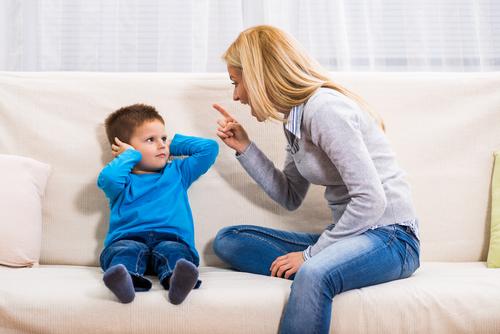 癇癪を起こしたら親がしてはいけないこと