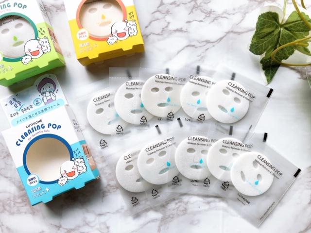 これは2019年に韓国からやってきた「シート型洗顔フォーム」です。