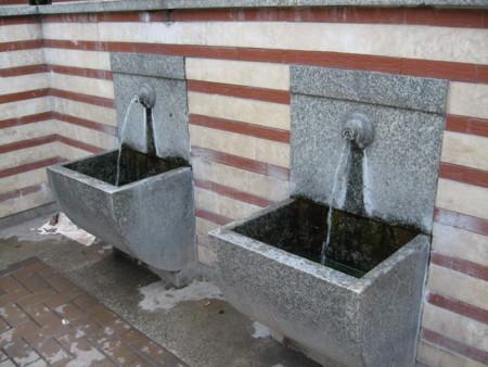 温泉水汲み場:Hot spring, Sofia, BULGARIA 2006/09/23