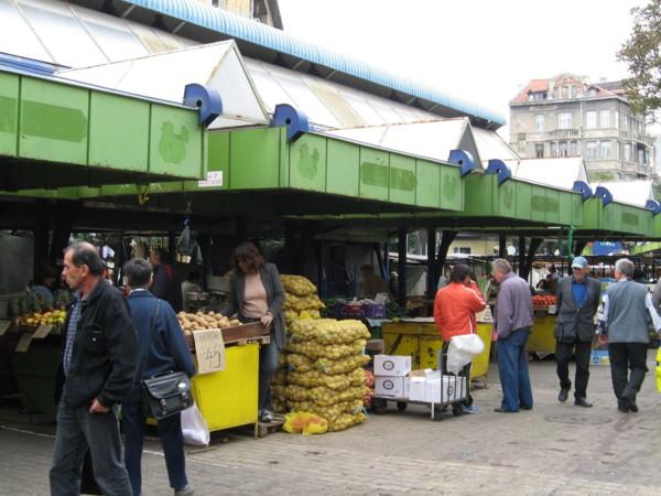 ジェンスキ・パザル:Ladies Market in Sofia, BULGARIA 2006/09/24