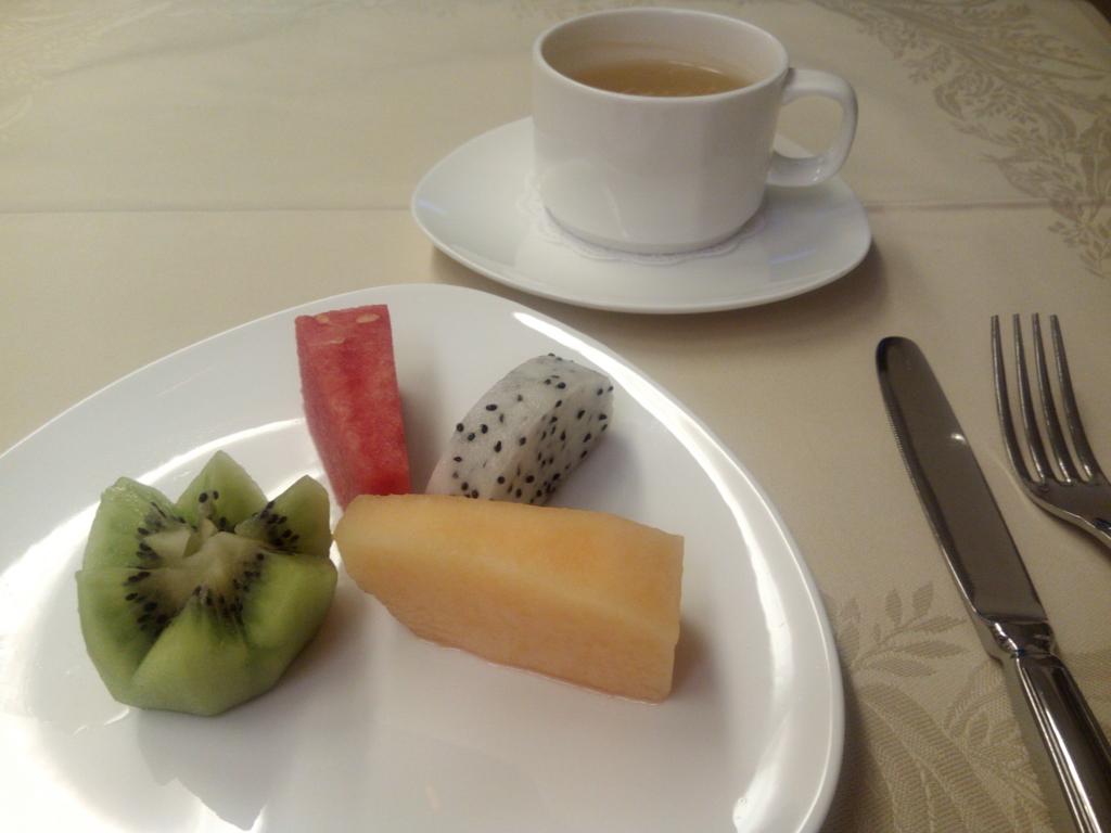 アシアナ航空_ビジネスクラス_機内食フルーツ