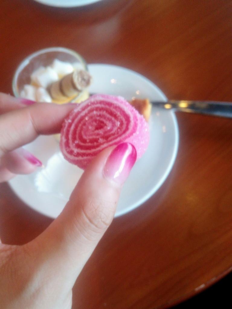 S7-ロシア国内線_S7ラウンジお菓子
