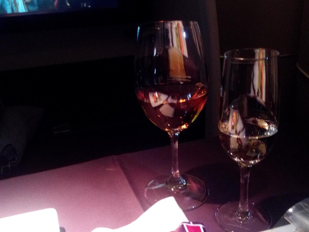 JAL_ファーストクラス_シャンパン