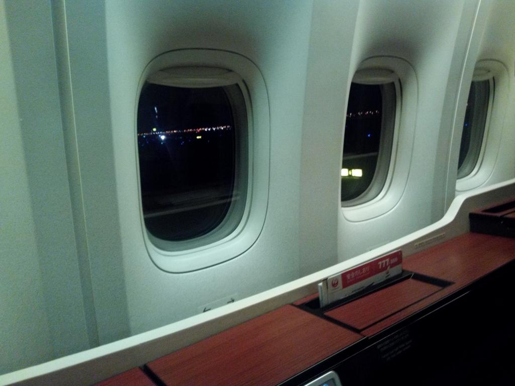 JAL_ファーストクラス_窓