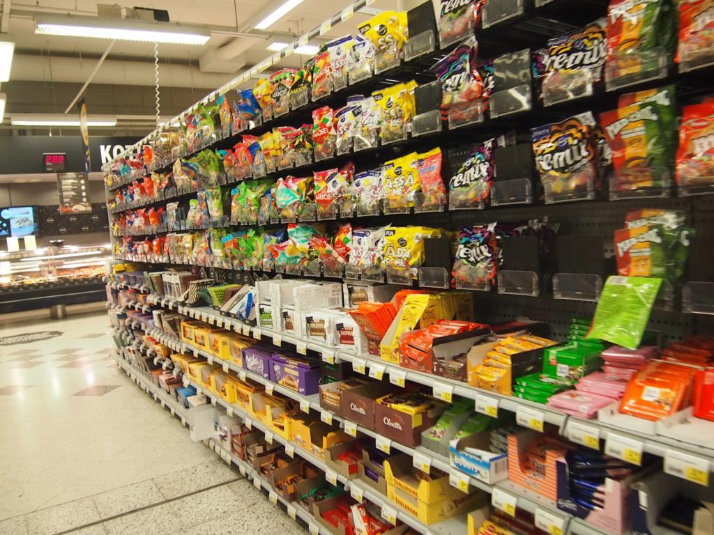 フィンランド-ヘルシンキ-スーパーマーケット_チョコレート