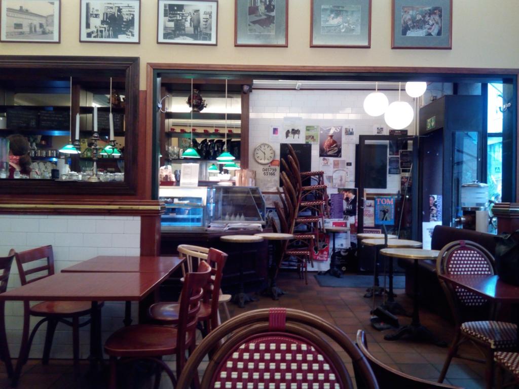 ヘルシンキ-カフェ-succes-店内