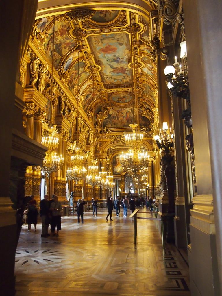 パリ-オペラ座-ロビー